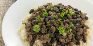Ground-Beef-and-Black-Beans-on-Rice
