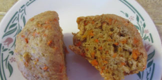 applesauce-carrot-cake-muffins