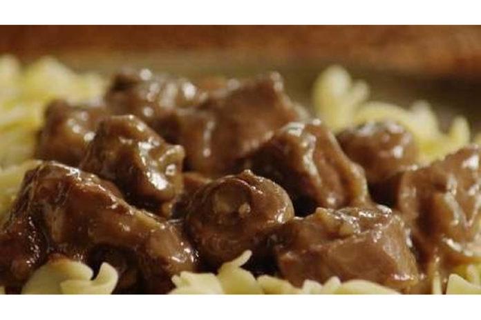 slow-cooker-beef-noodles