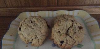 moist-oatmeal-raisin-cookies