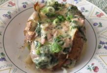 cheesy-spinach-ham-topped-baked-potatoes